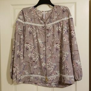 Great for work! Adorable taupe blouse